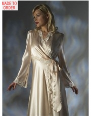 Lace Robe by Jane Woolrich (2682)